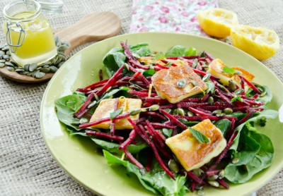 halloumi, beetroot, pumpkin seed mint salad
