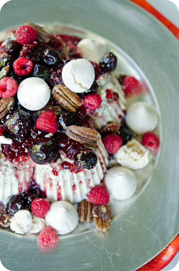 Christmas Cake Decoration Nuts : Layered Semifreddo Christmas Cake with Berry Sauce & Nuts