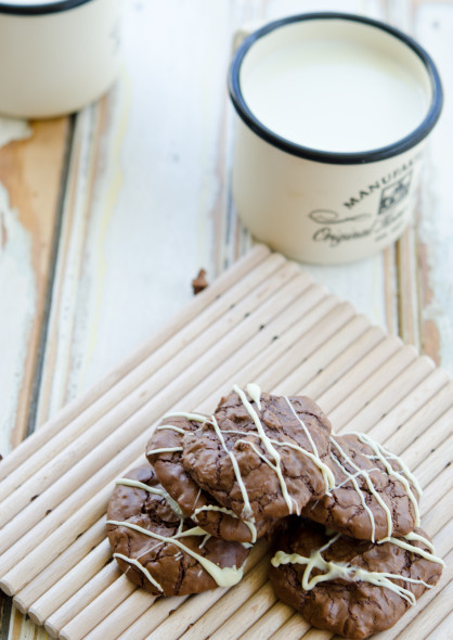 brownie cookies with white choc