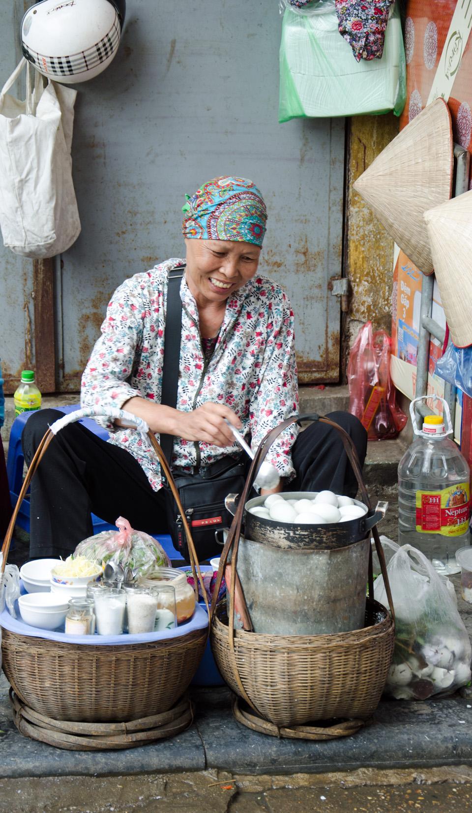 Balut vendor, Hanoi