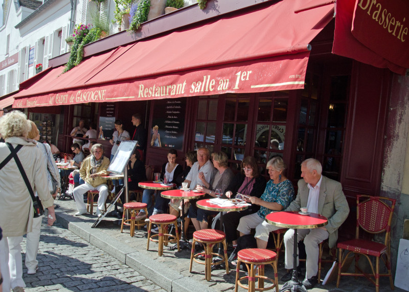 Cafe Culture and the need to occupy any pebble facing the road...aaaah, Paris!