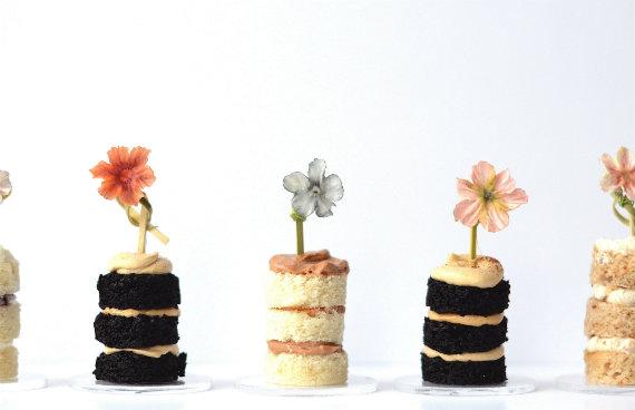 naked cakes via http://diyweddingplanning.net/