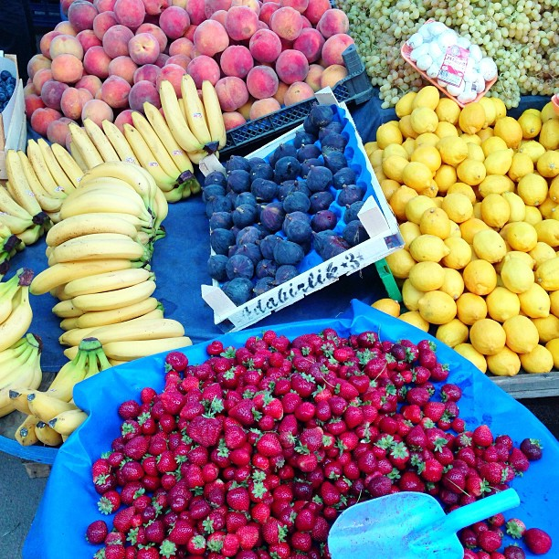 Fruit colour wheel. market in Sapanca