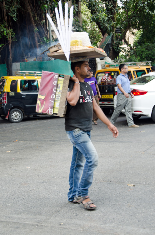 snack vendor in Colaba