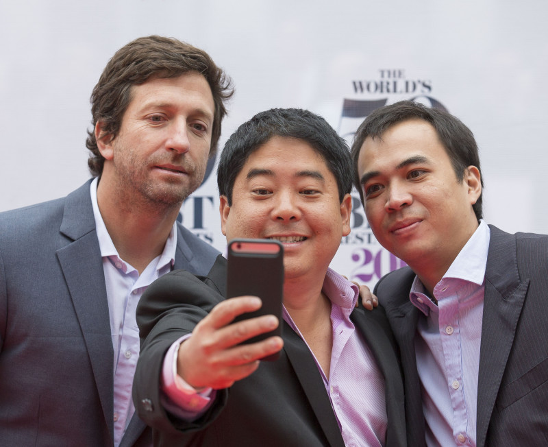 20150601 © The WorldÕs 50 Best Restaurants 2015, sponsored by S.Pellegrino & Acqua Panna, and onEdition Photography, the official photographers for 2015 Mitsuharu Tsumura, Maido at (Middle) with guests The WorldÕs 50 Best Restaurants, sponsored by S.Pellegrino and Acqua Panna. Maido, Diego, boys from Peru