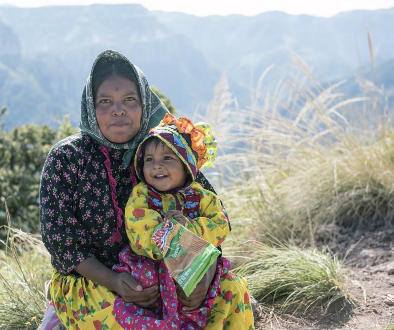 Raramuri mother and child