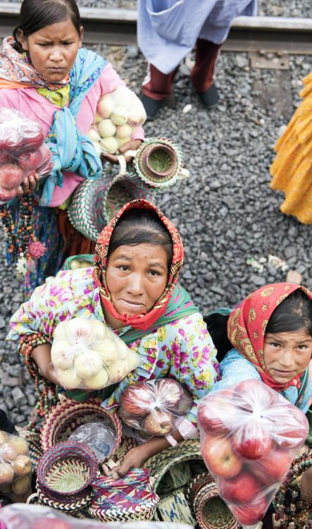 Raramuri women selling woven goods and fruit